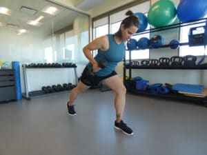 frontal-lunge-with-a-dumbbell-exercise