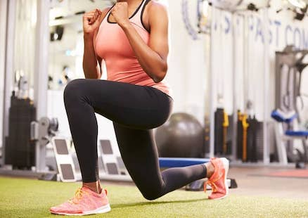 sport-therapy-August-Hip-Stretch-advantage-sport-med